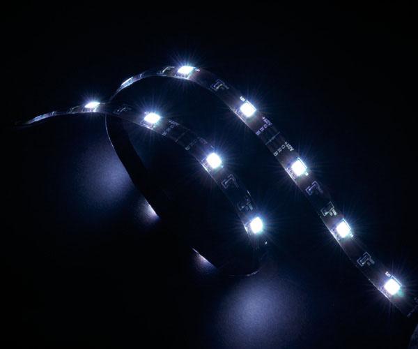 Akasa Vegas LED-list for datamaskiner, 12V, 60cm, hvit AK-LD02-05WH (Kan sendes i brev)